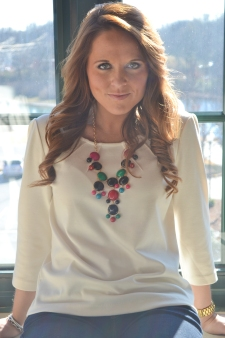 statement necklace spice up a boring outfit